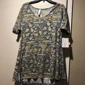 LuLaRoe Perfect t Shirt size L  NWT